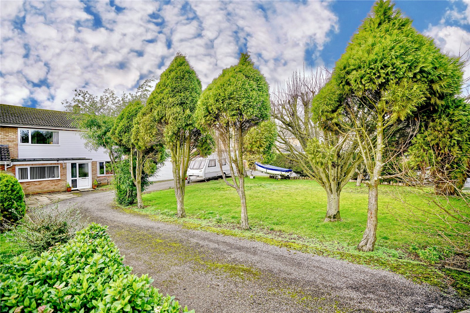 3 bed house for sale in Green Acres, Gamlingay  - Property Image 1