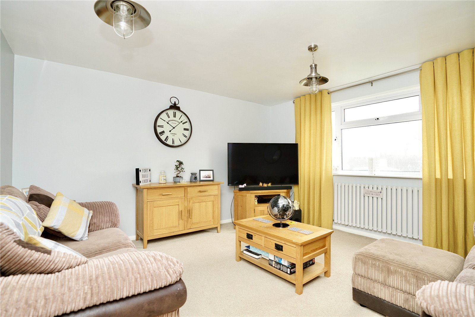 3 bed house for sale in Henbrook, St. Neots  - Property Image 1