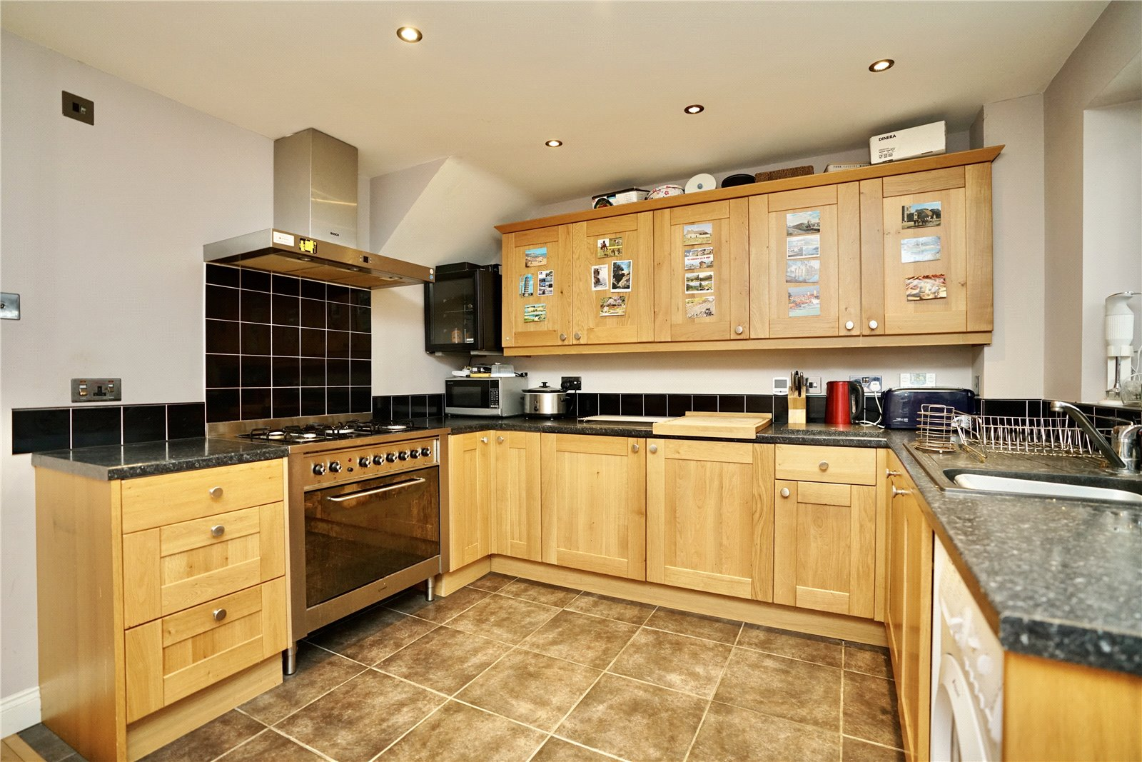3 bed house for sale in Pembroke Avenue, Eynesbury  - Property Image 3