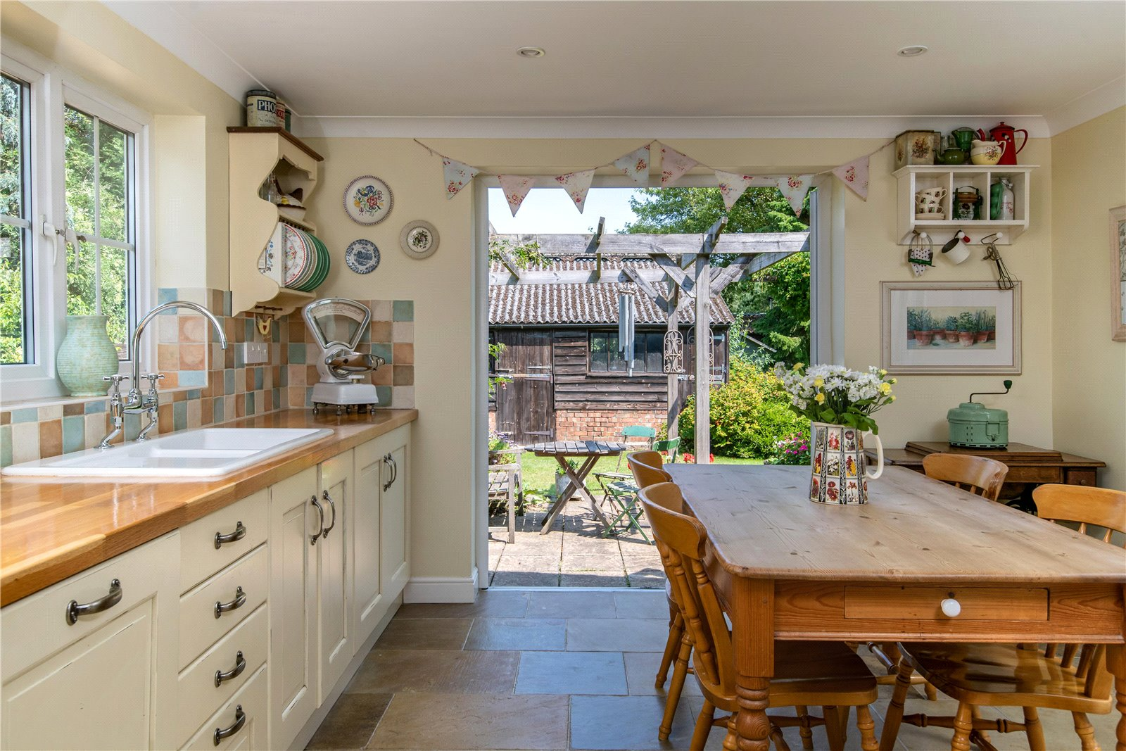 5 bed house for sale in Rookery Road, Wyboston 11