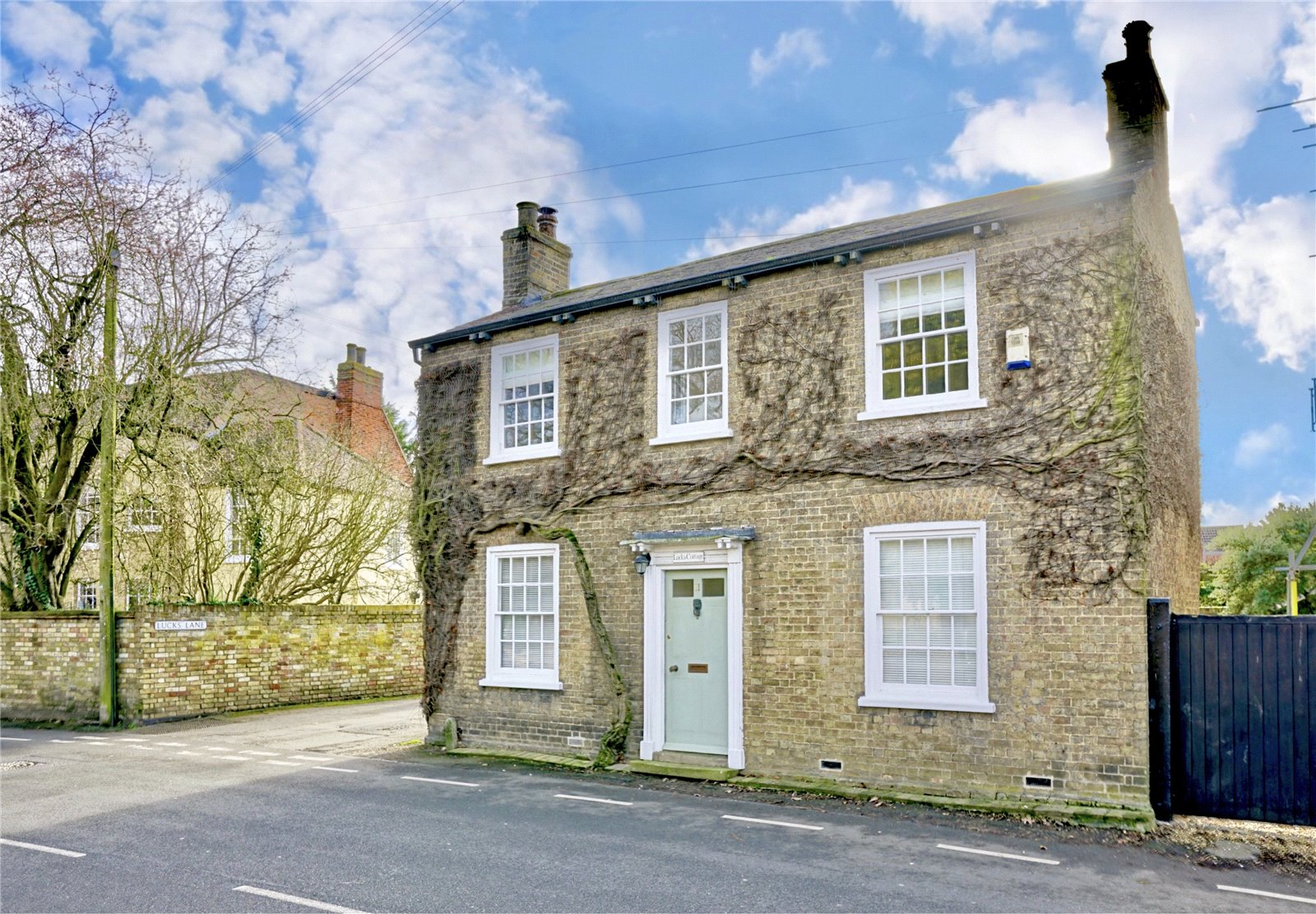 4 bed house for sale in Buckden 0