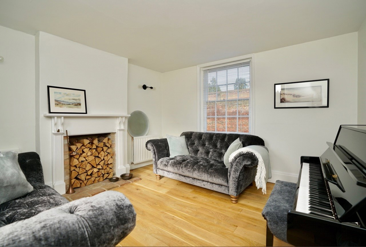 4 bed house for sale in Buckden 2