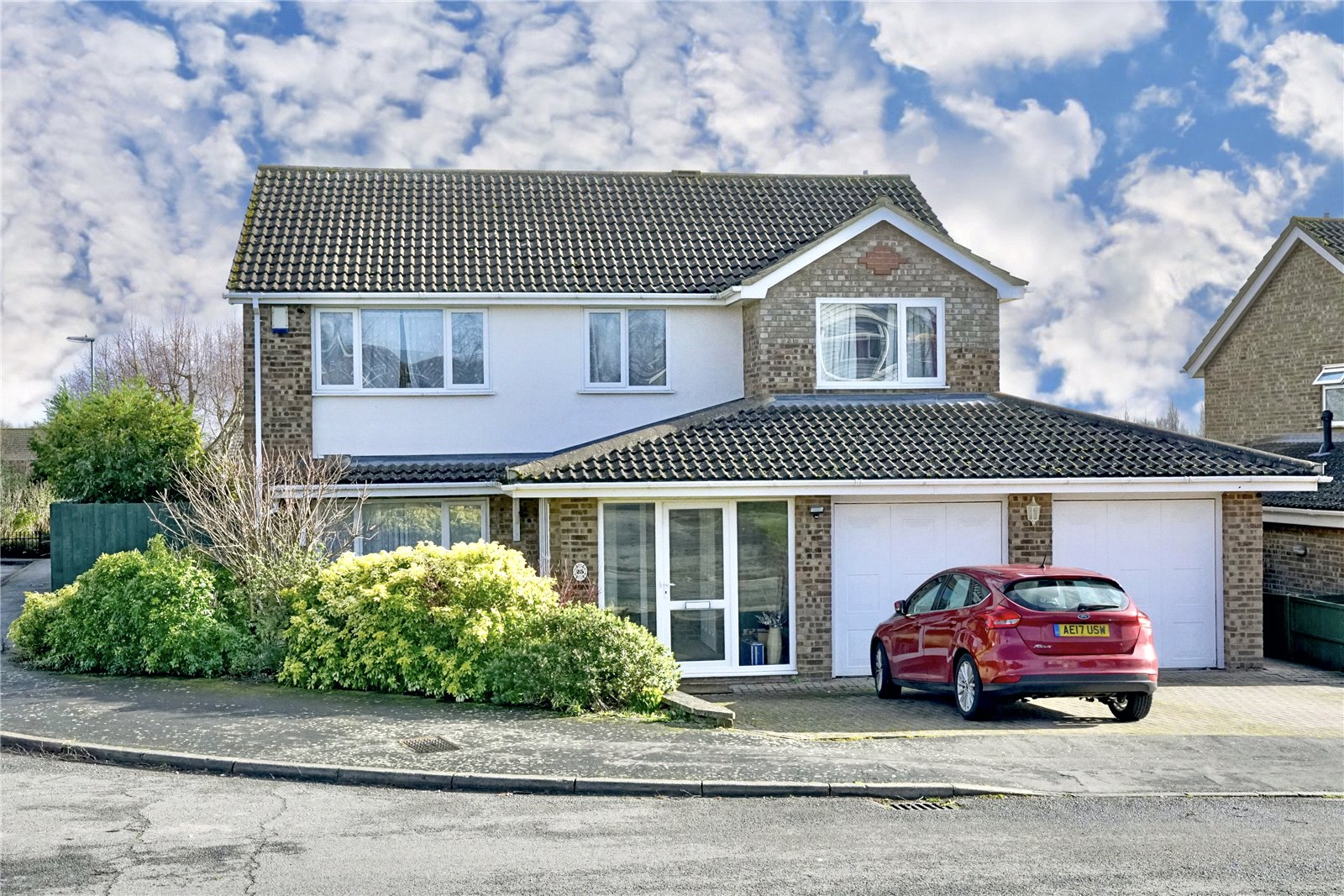4 bed house for sale in Eaton Ford  - Property Image 2