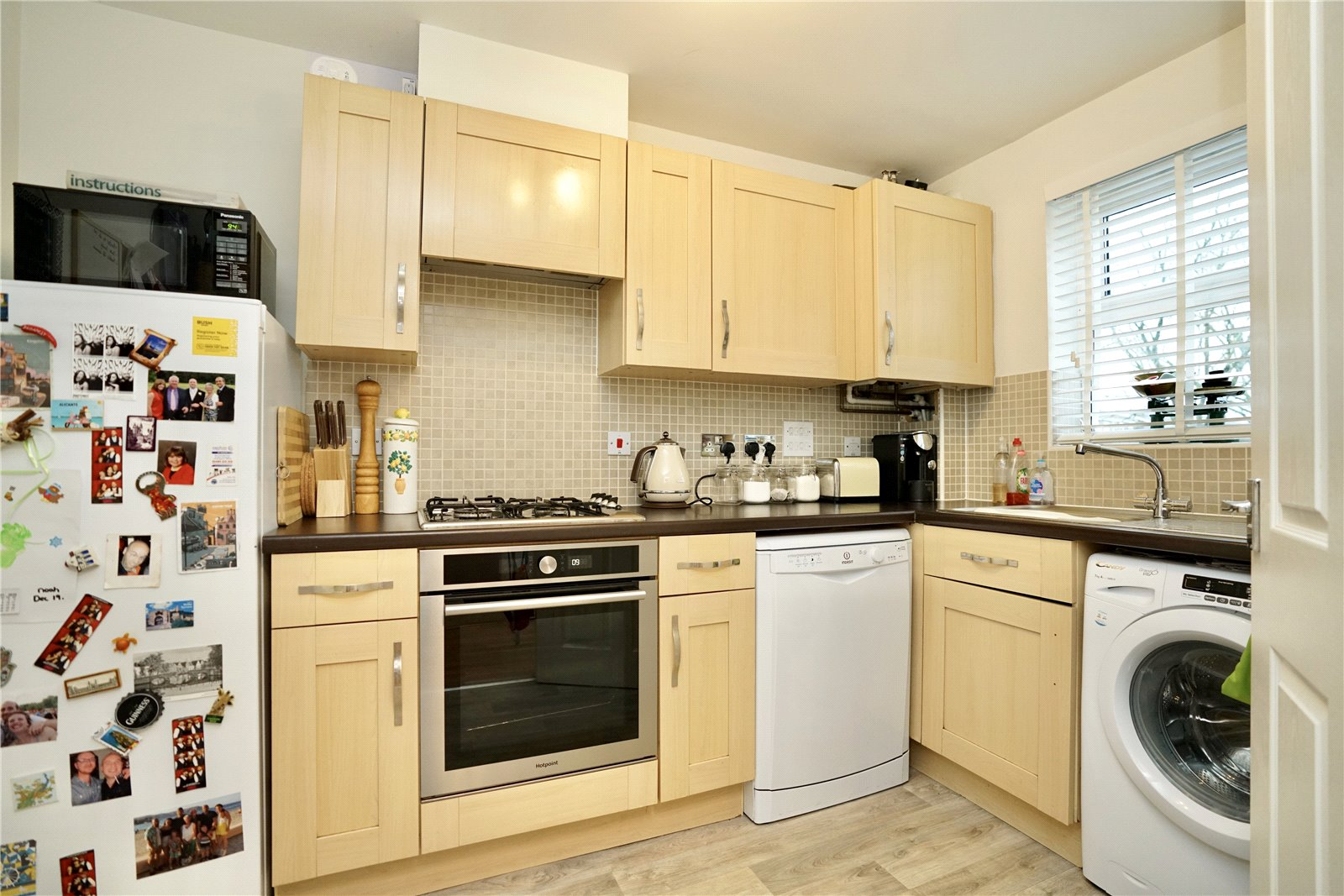 3 bed house for sale in Linton Close, Eaton Socon  - Property Image 2