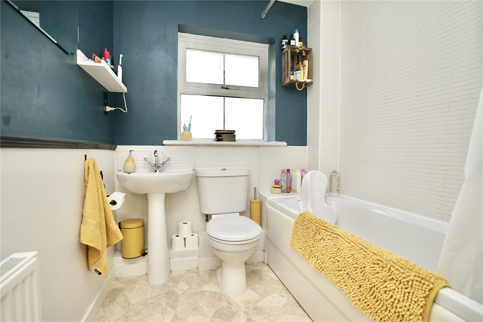 3 bed house for sale in Linton Close, Eaton Socon  - Property Image 4