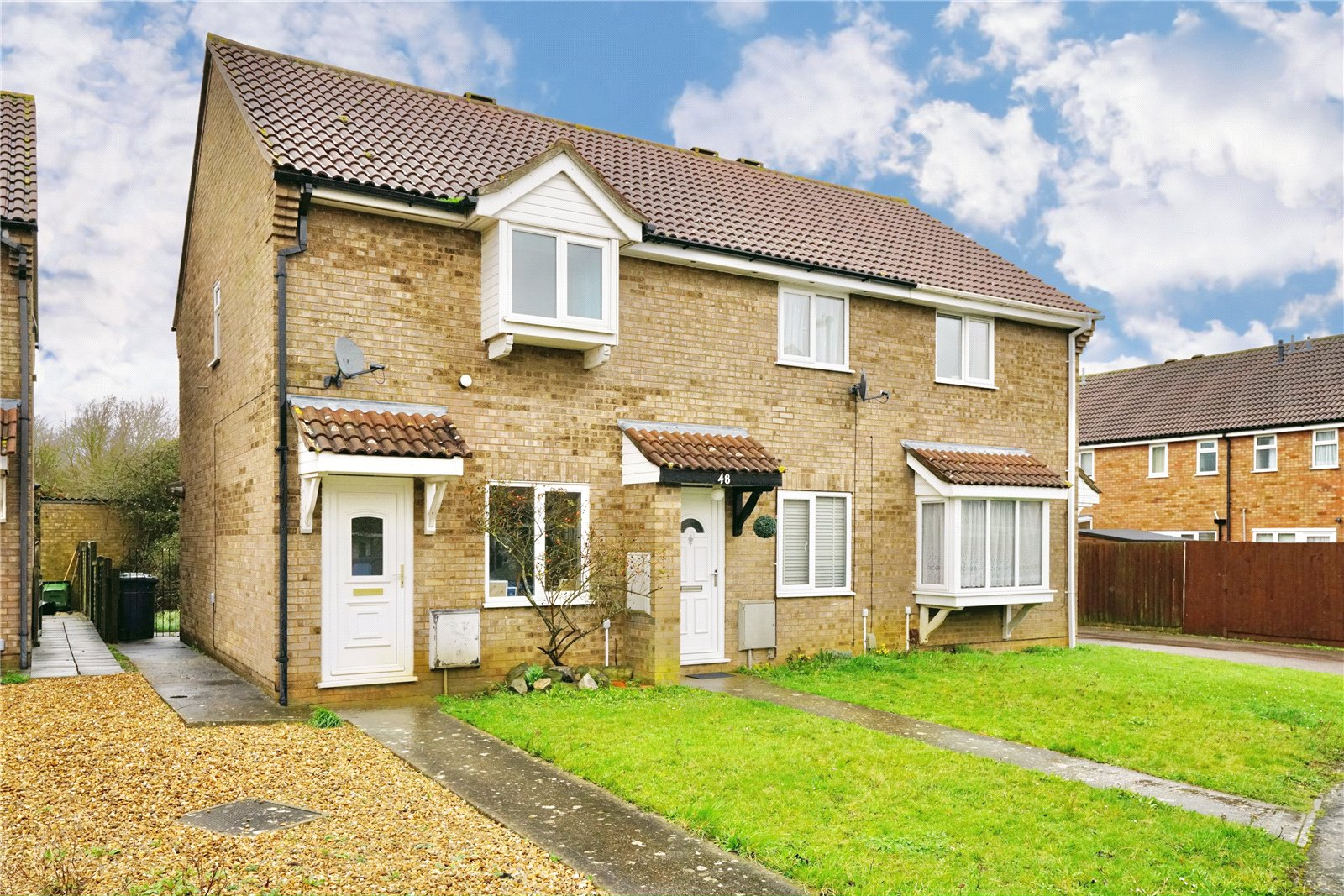 2 bed house for sale in Alder Close, Eaton Ford, PE19
