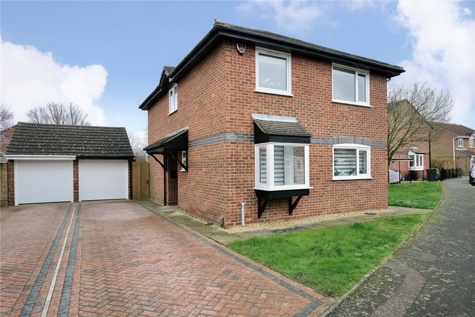 4 bed house for sale in Bodiam Way, Eynesbury - Property Image 1