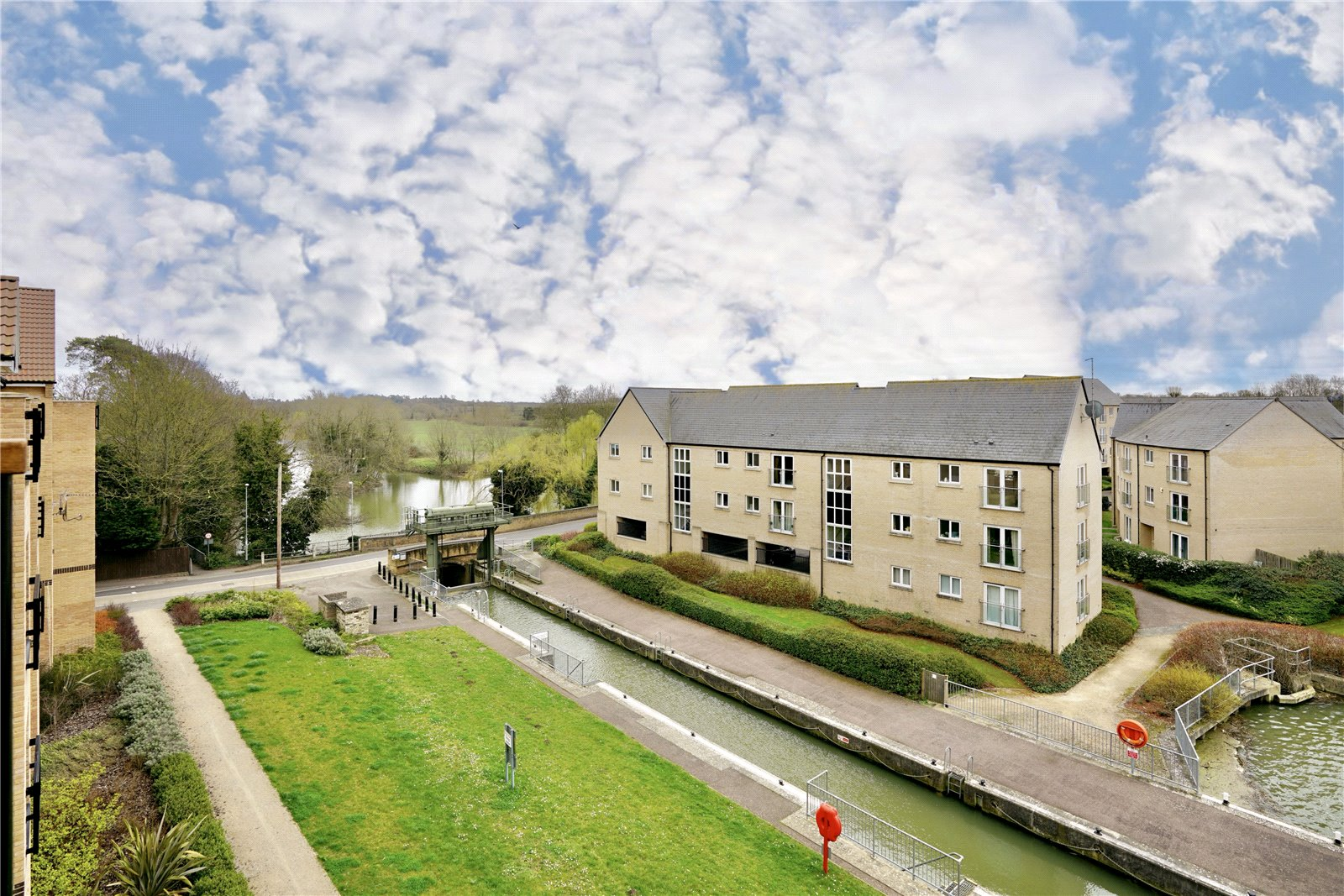 2 bed apartment for sale in Little Paxton, PE19 6SJ - Property Image 1
