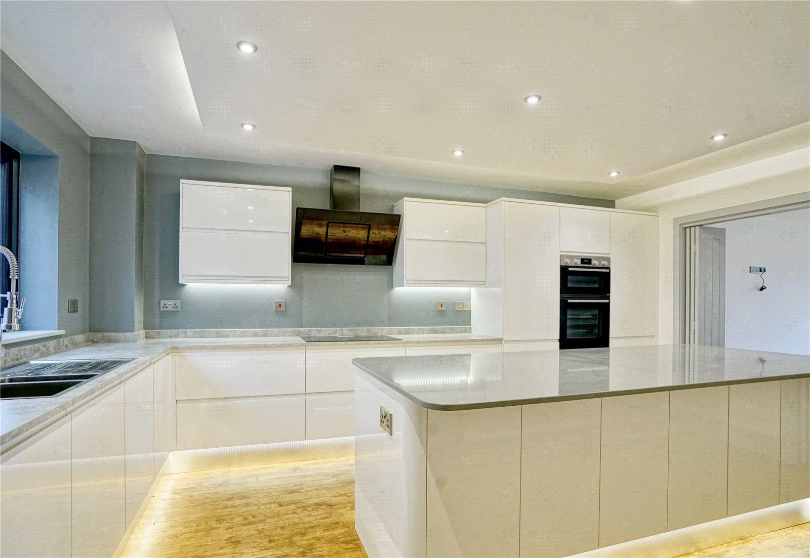 5 bed house for sale in Eynesbury Hardwicke, The Range, PE19 6XG - Property Image 1