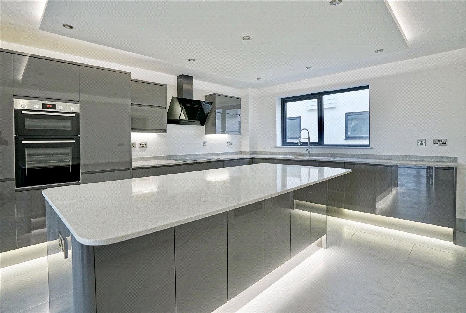5 bed house for sale in The Range, Eynesbury Hardwicke - Property Image 1