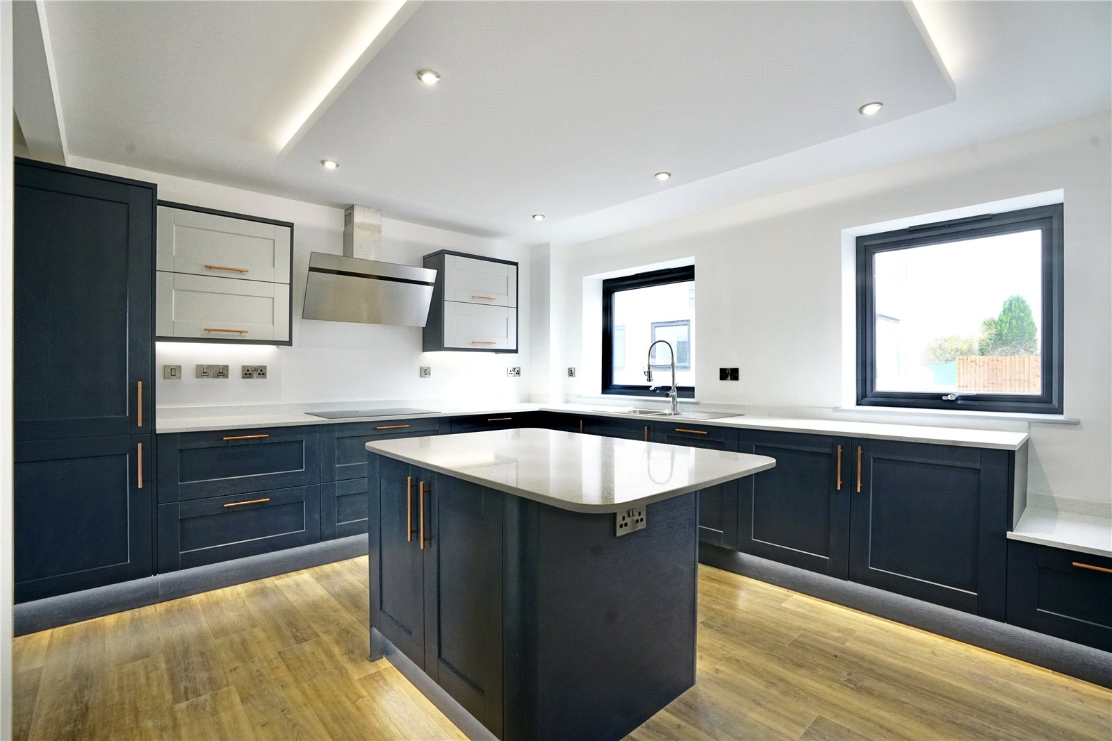 5 bed house for sale in Eynesbury Hardwicke, PE19 6XG 0