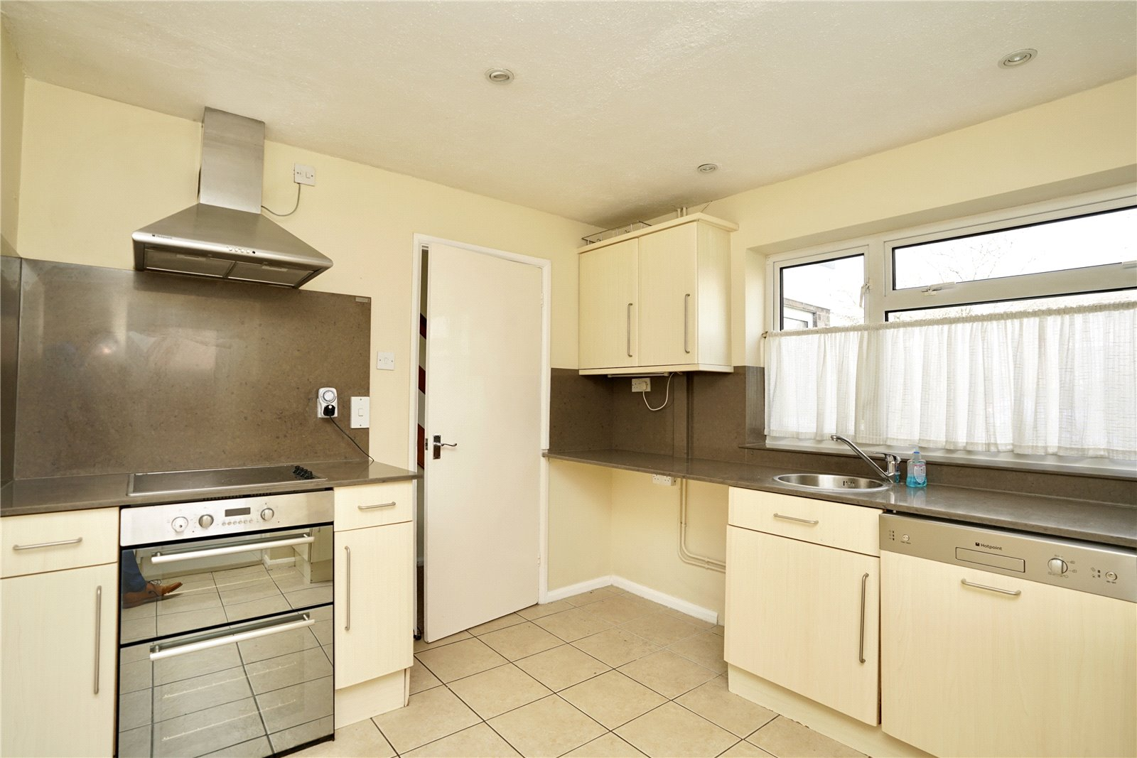4 bed house for sale in Manor Close, Great Staughton 6