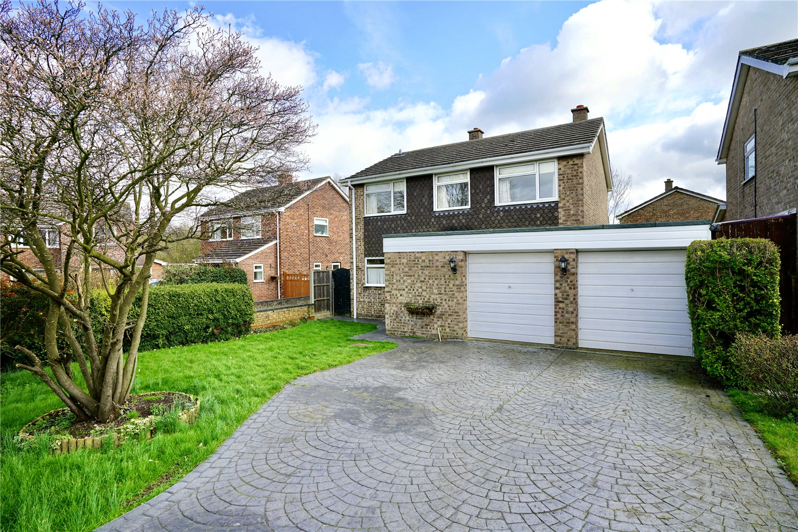 4 bed house for sale in Manor Close, Great Staughton, PE19