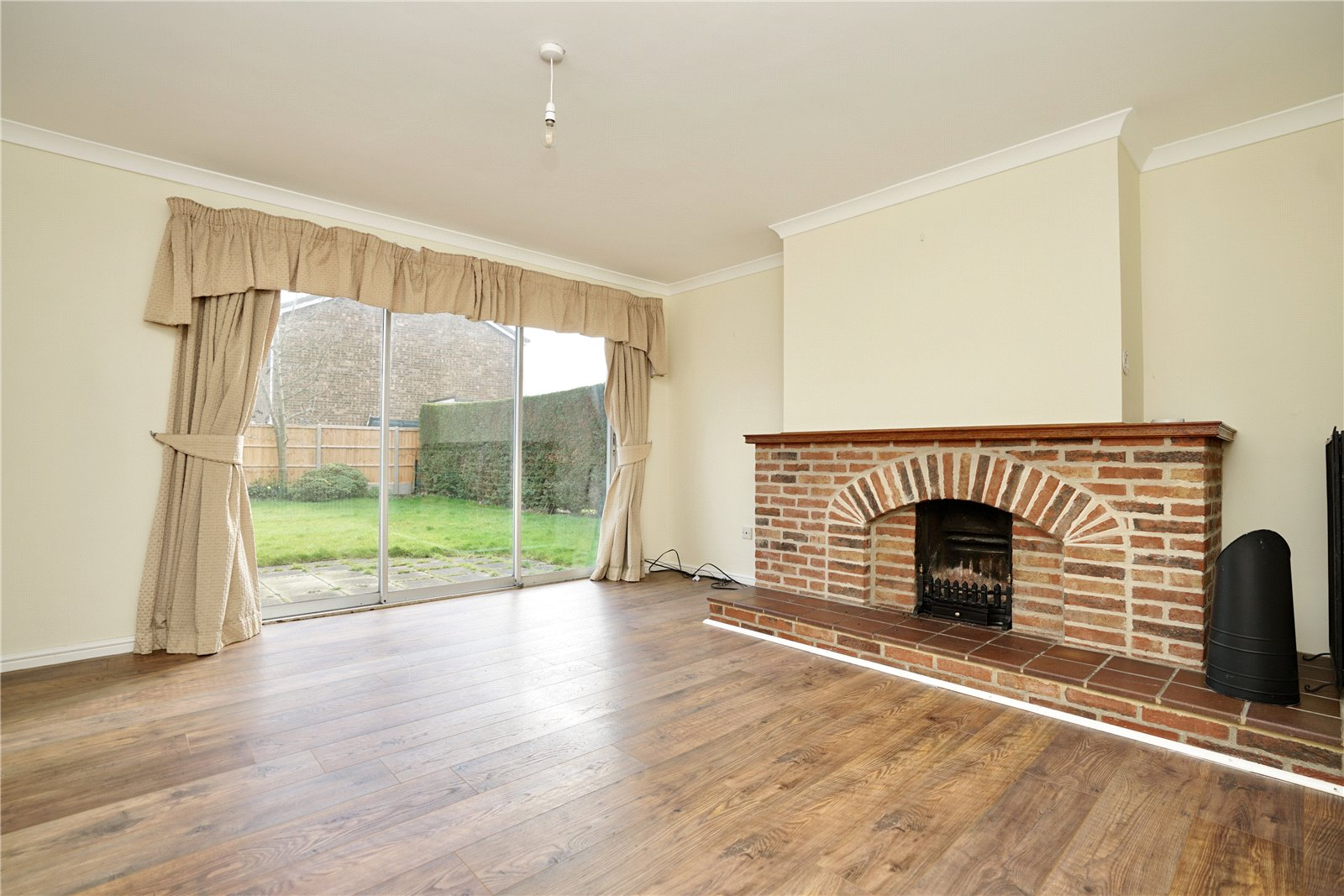 4 bed house for sale in Manor Close, Great Staughton  - Property Image 5