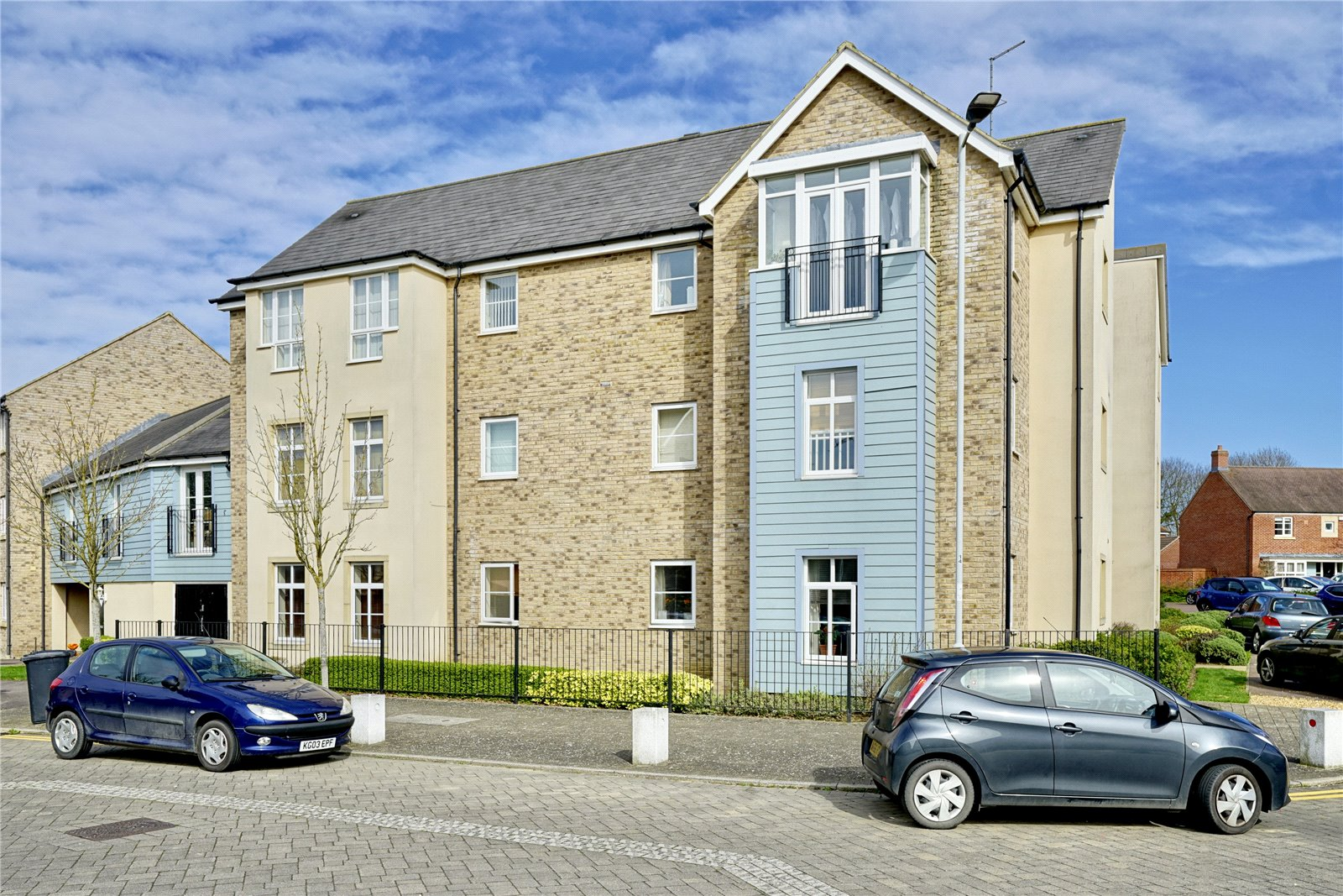 2 bed apartment for sale in Alsop Way, St. Neots - Property Image 1