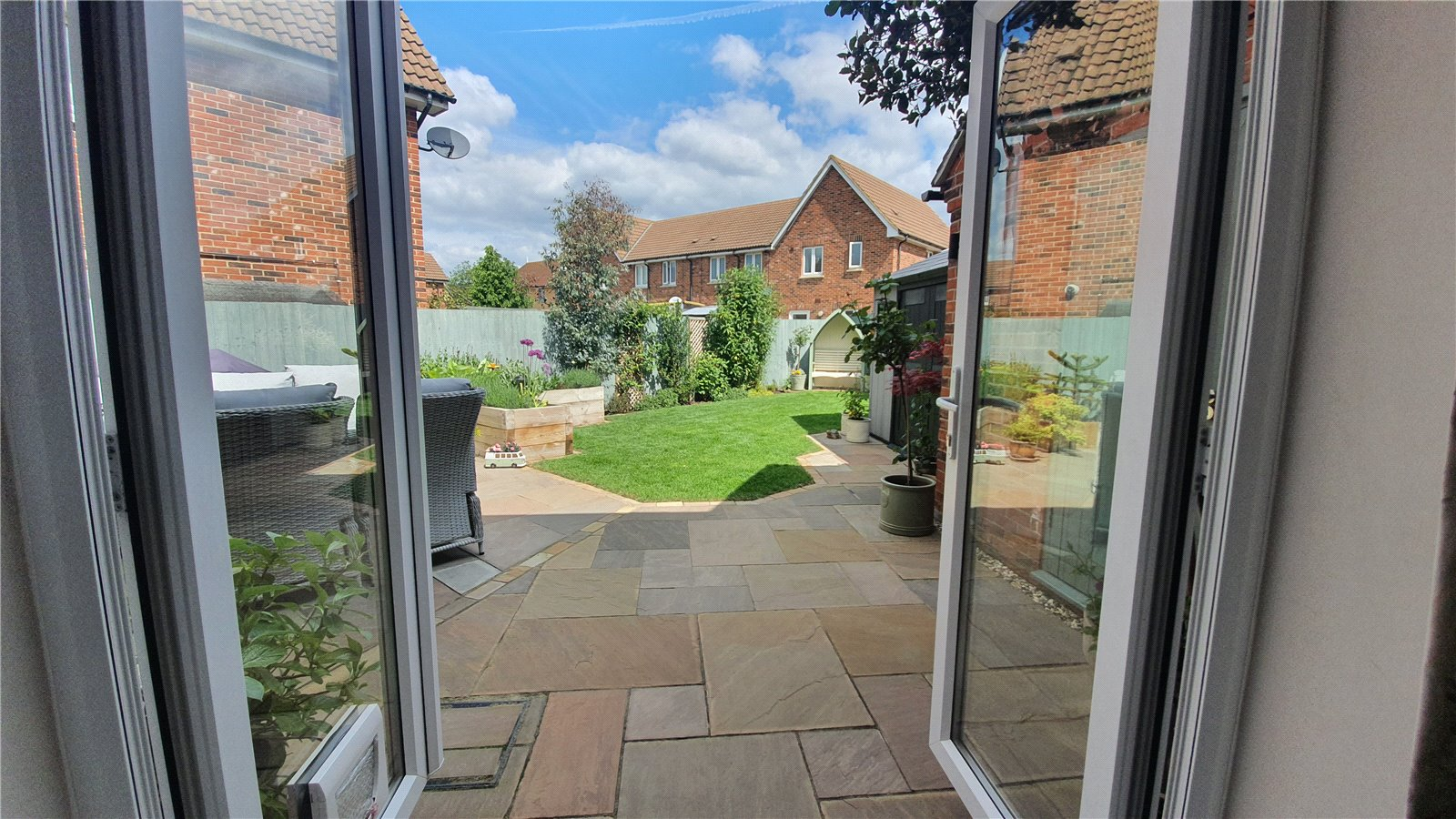 3 bed house for sale in Harvest Drive, St Neots 5