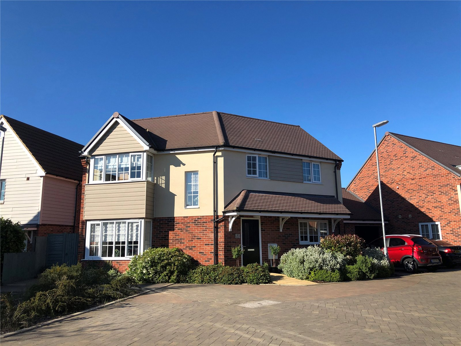 3 bed house for sale in Harvest Drive, St Neots - Property Image 1