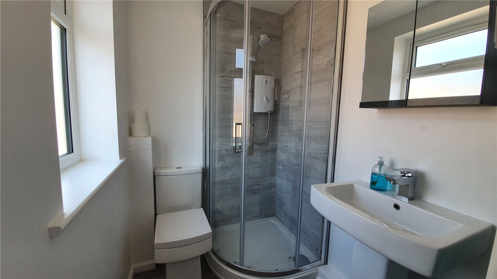 3 bed house for sale in The Sycamores, Little Paxton  - Property Image 3