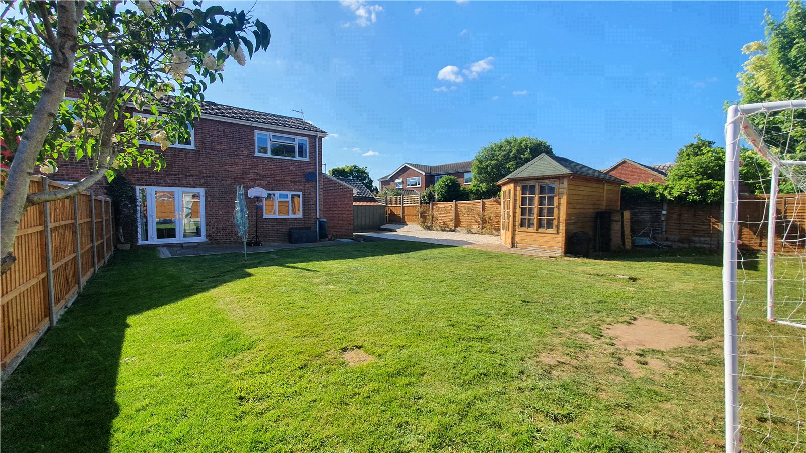 3 bed house for sale in The Sycamores, Little Paxton 7