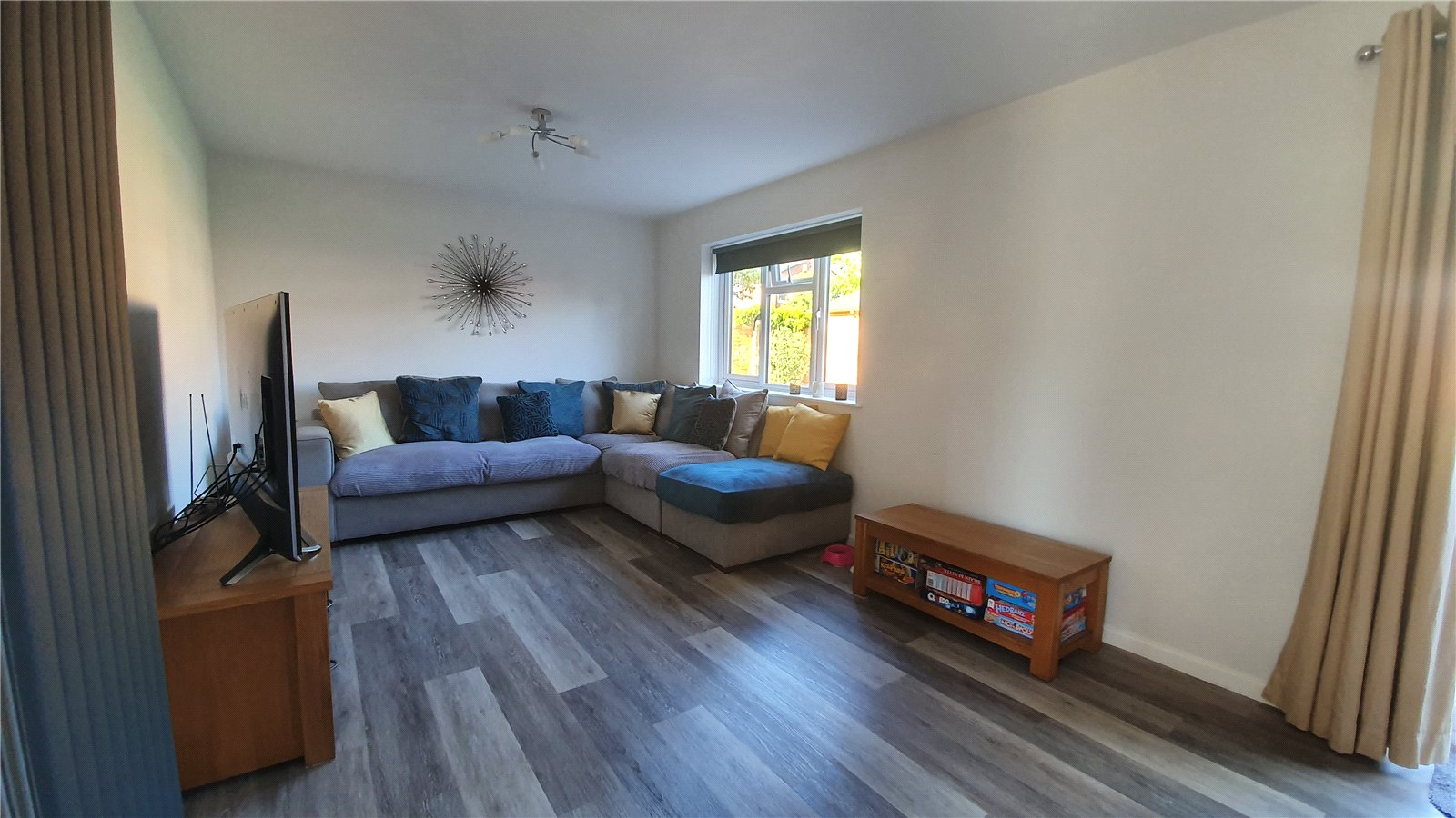 3 bed house for sale in The Sycamores, Little Paxton 1