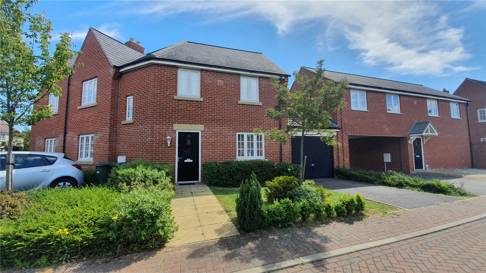 3 bed house for sale in St. Neots, PE19 6BA - Property Image 1