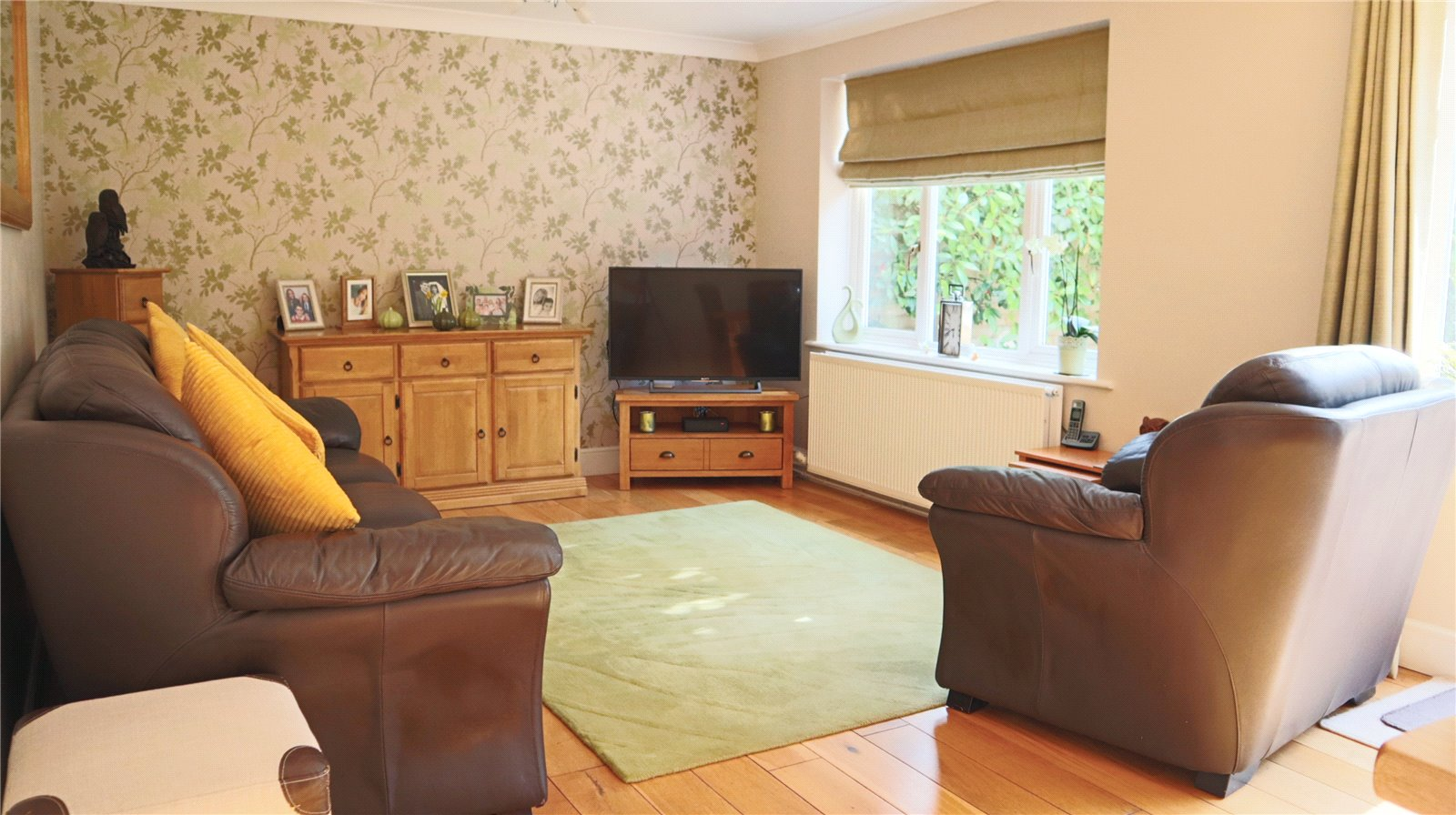 3 bed house for sale in Hathaway Close, Eaton Socon 2
