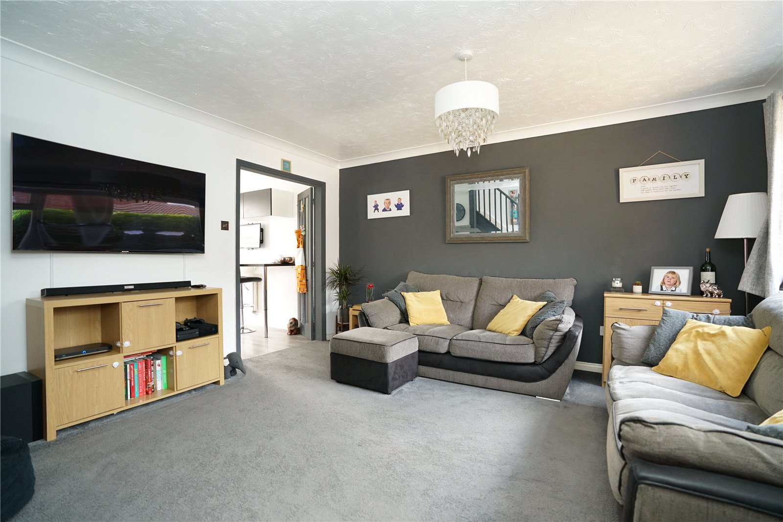 3 bed house for sale in Swift Close, St. Neots 1