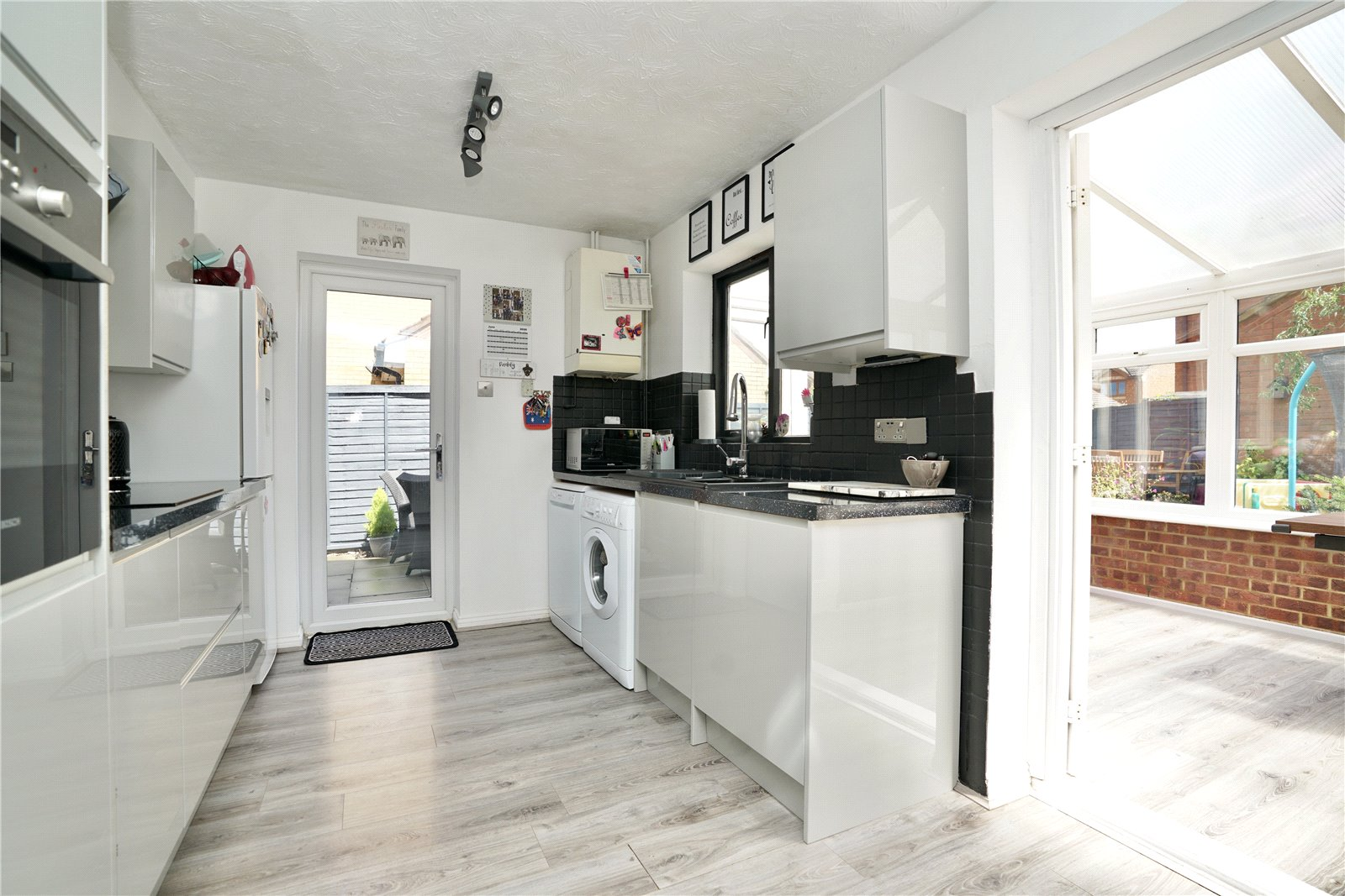 3 bed house for sale in Swift Close, St. Neots  - Property Image 6