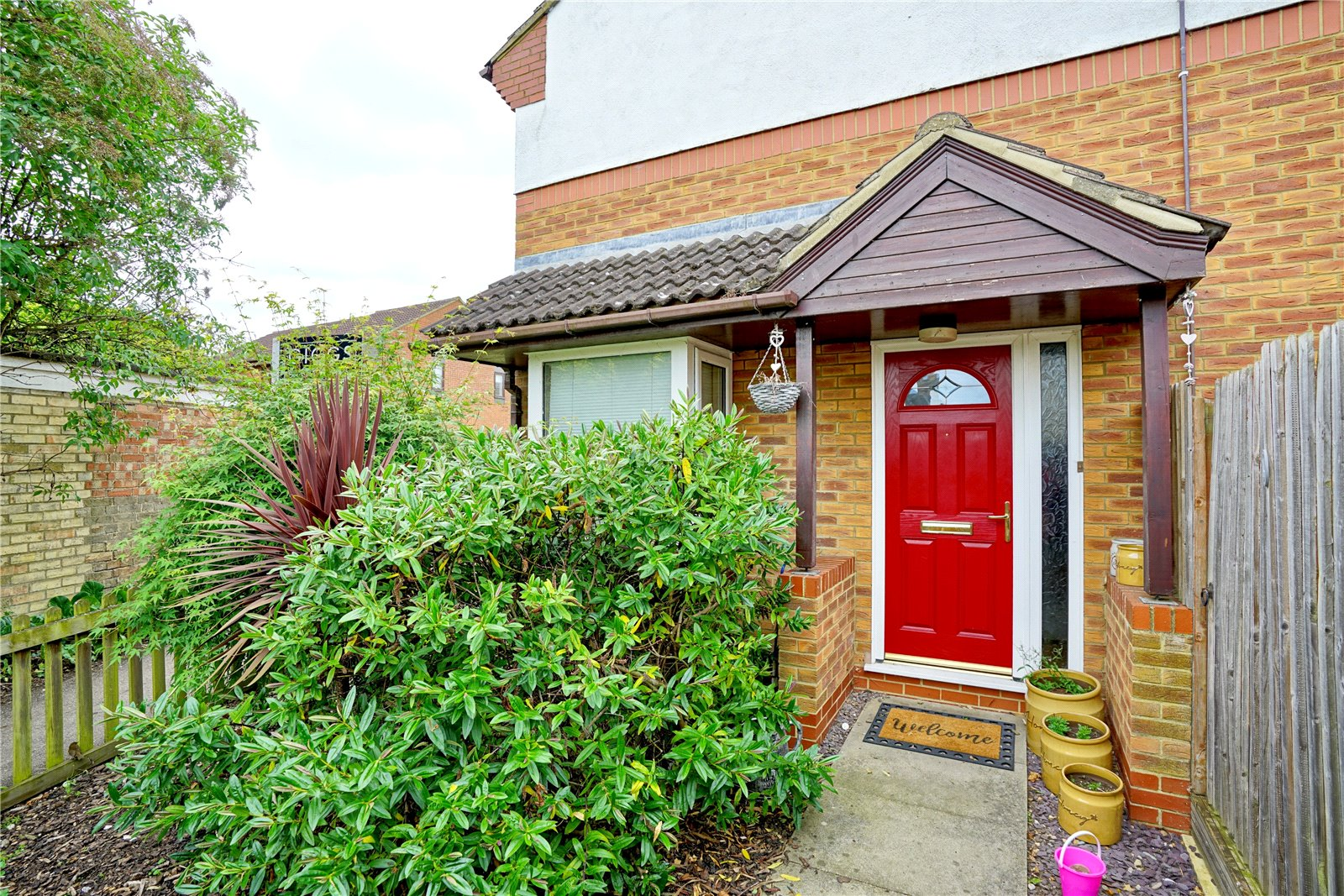 3 bed house for sale in Eayre Court, St Neots - Property Image 1