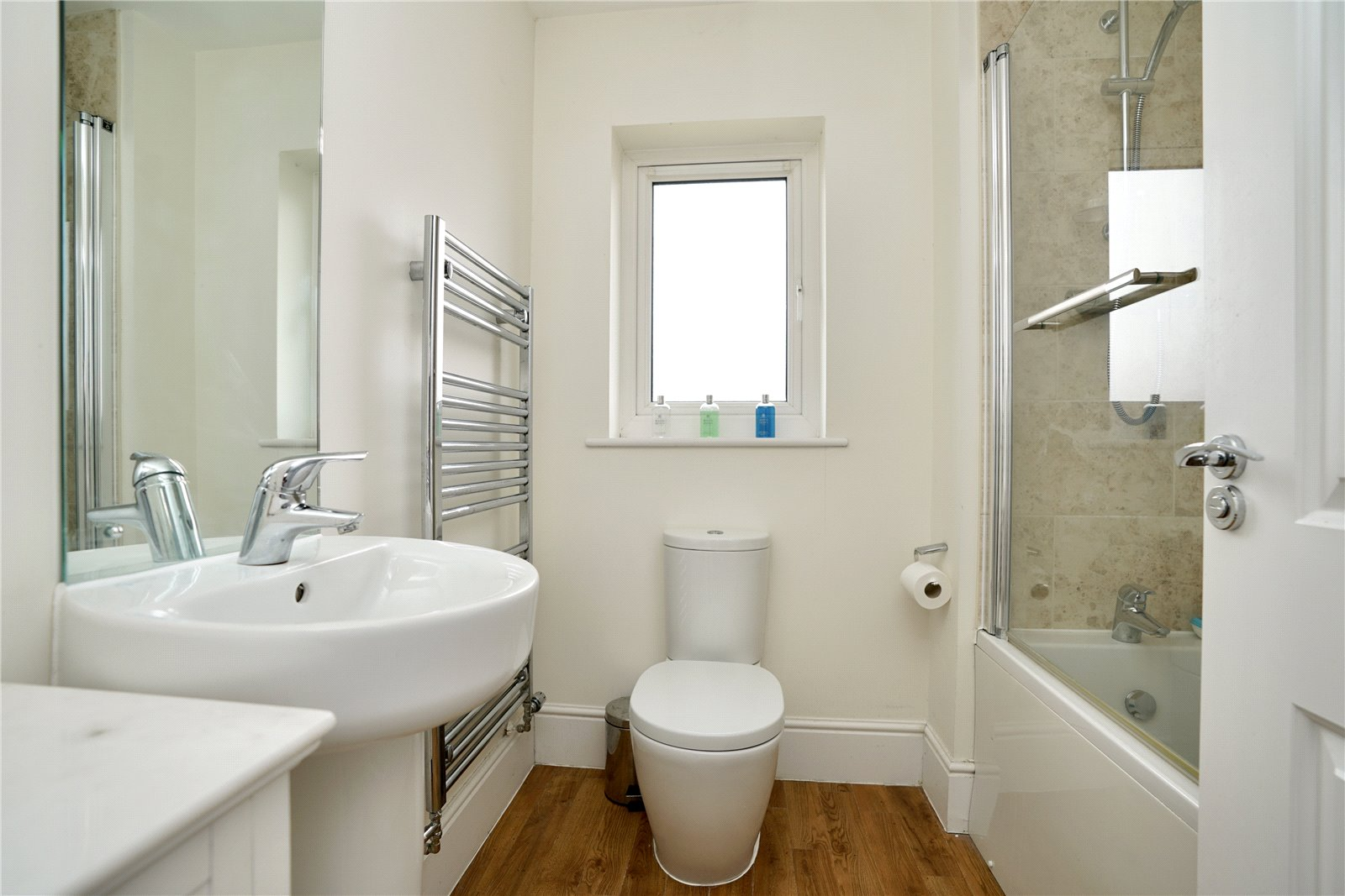 4 bed house for sale in Field Gate Close, St. Neots  - Property Image 11