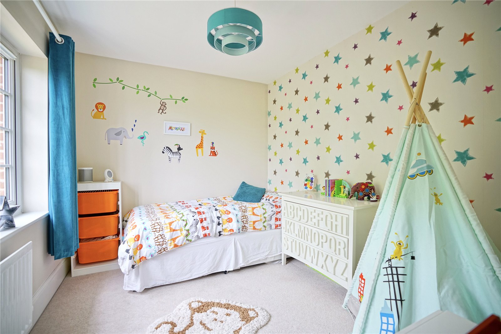 4 bed house for sale in Field Gate Close, St. Neots  - Property Image 7