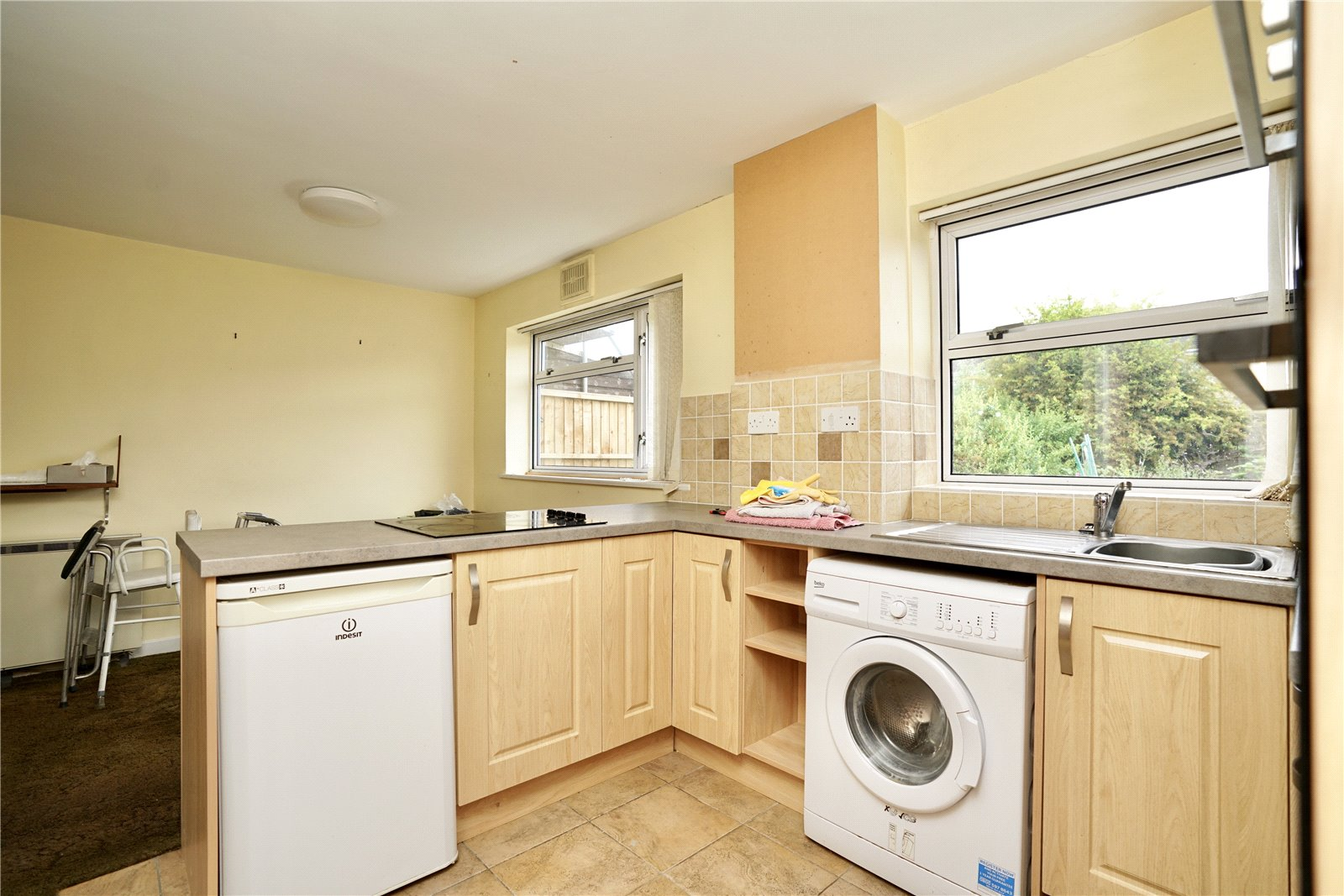 3 bed house for sale in Kenilworth Close, Eaton Socon  - Property Image 3