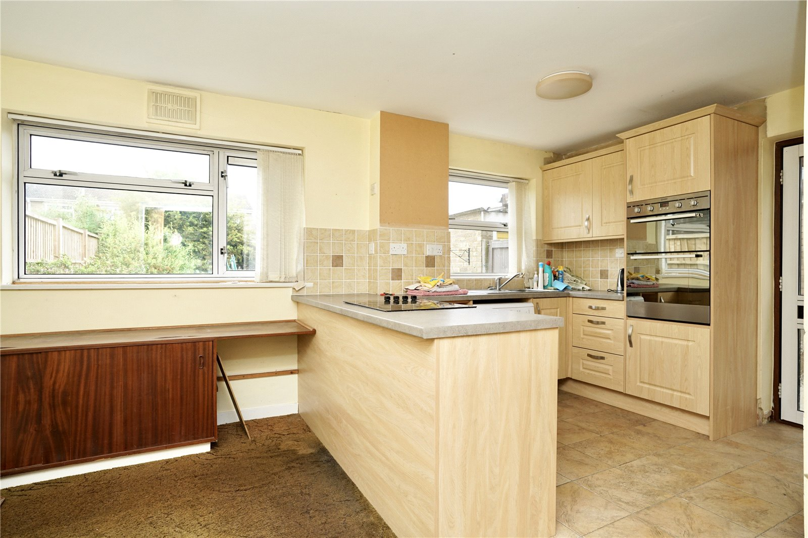 3 bed house for sale in Kenilworth Close, Eaton Socon 1