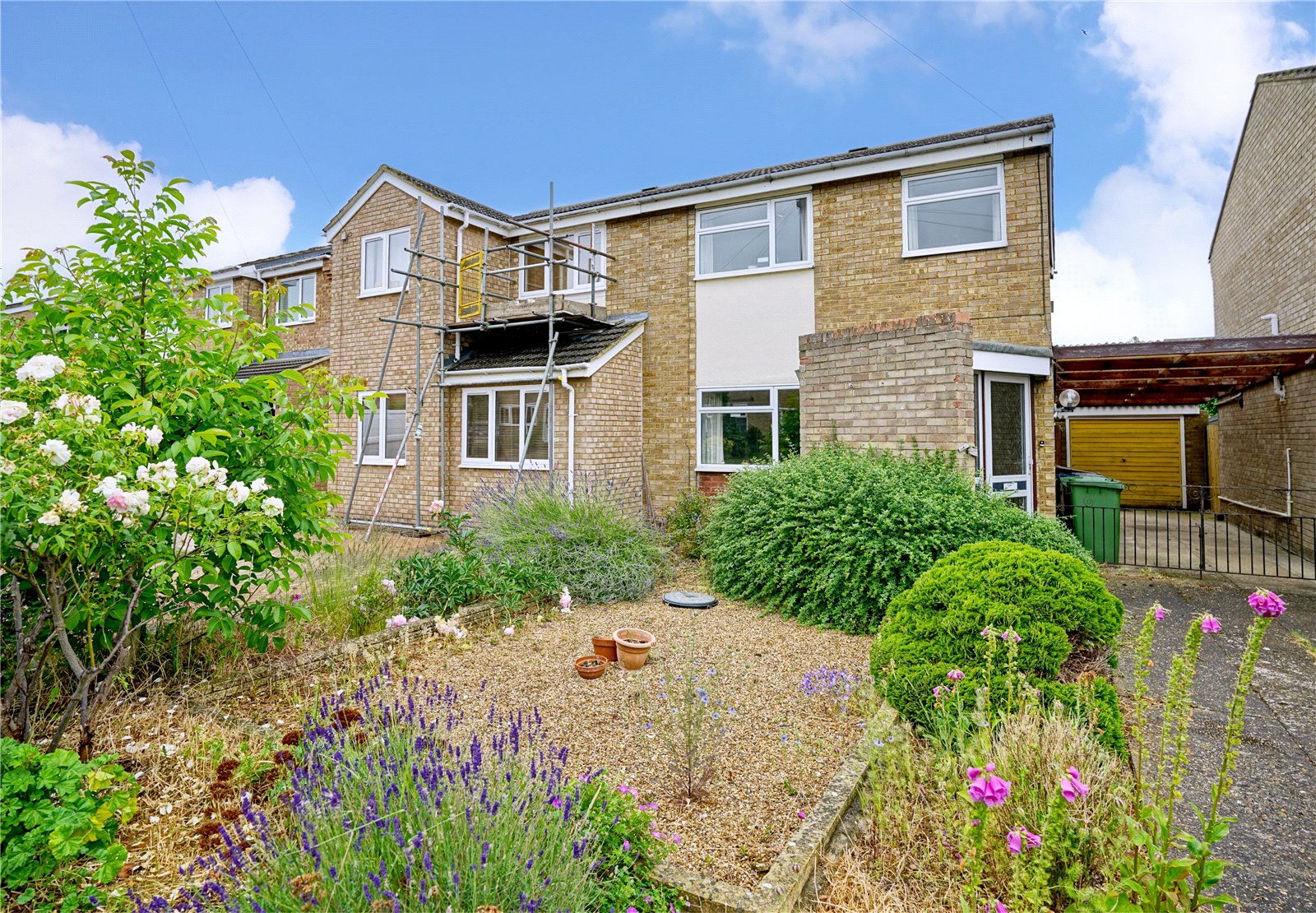 3 bed house for sale in Kenilworth Close, Eaton Socon  - Property Image 1