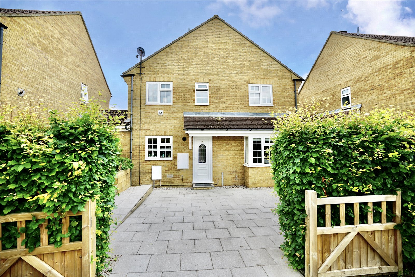 2 bed house for sale in Eaton Socon, Chawston Close, PE19 8QB - Property Image 1