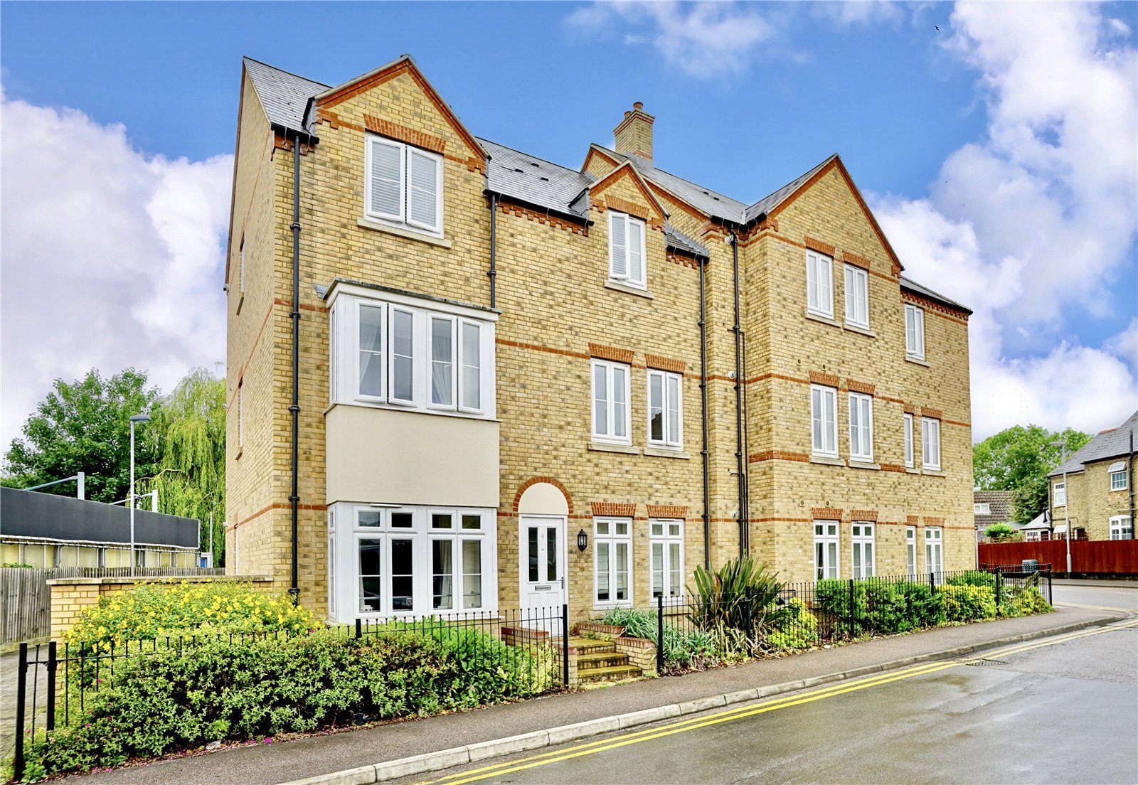 1 bed apartment for sale in 3 Kings Lane, Sovereign Court, PE19 1JZ 0