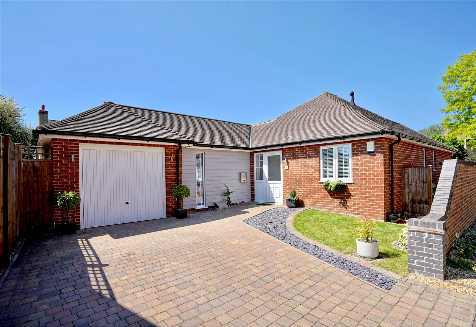 3 bed bungalow for sale in Pipistrelle Close, Little Paxton - Property Image 1