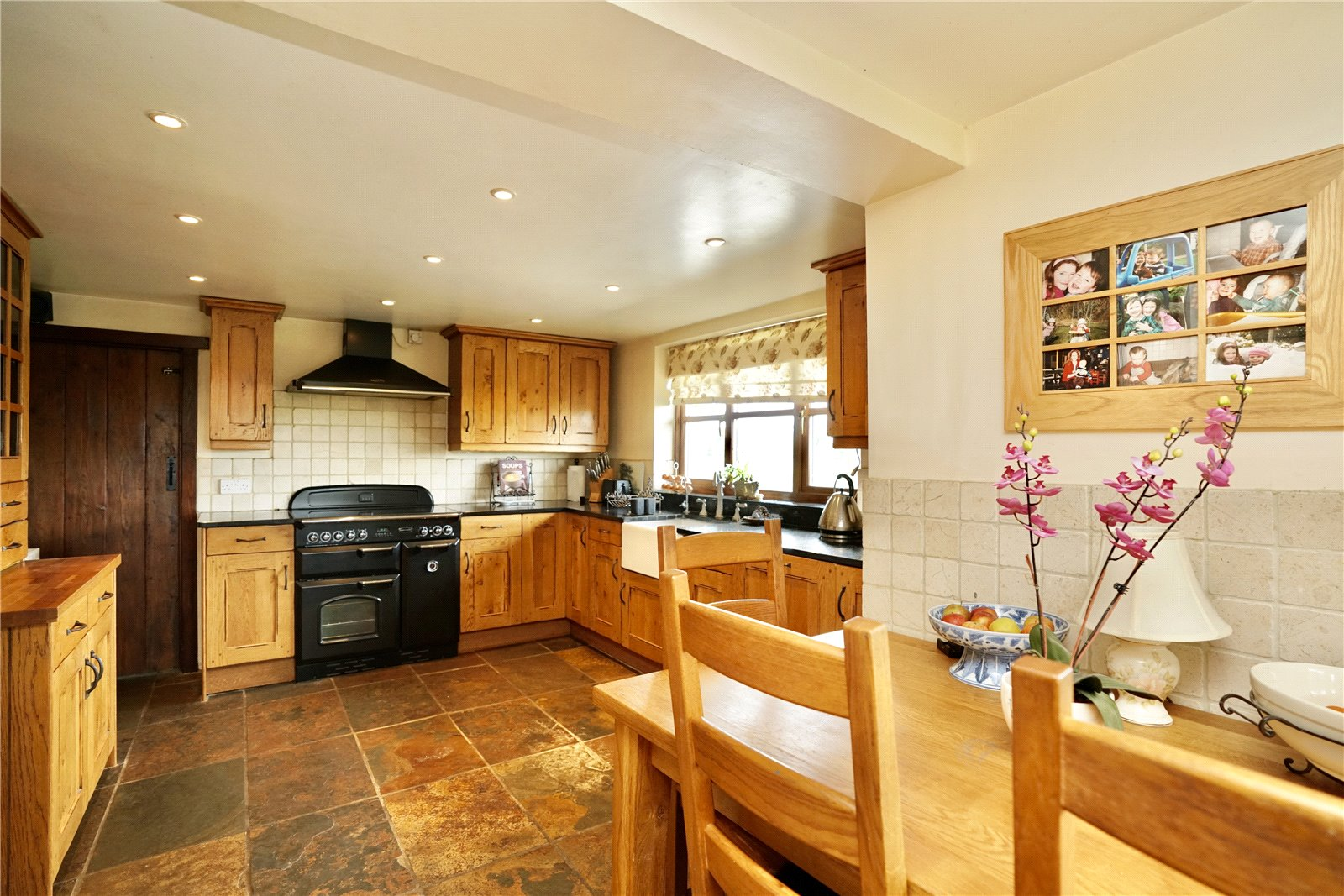 5 bed house for sale in Colmworth Road, Little Staughton  - Property Image 5