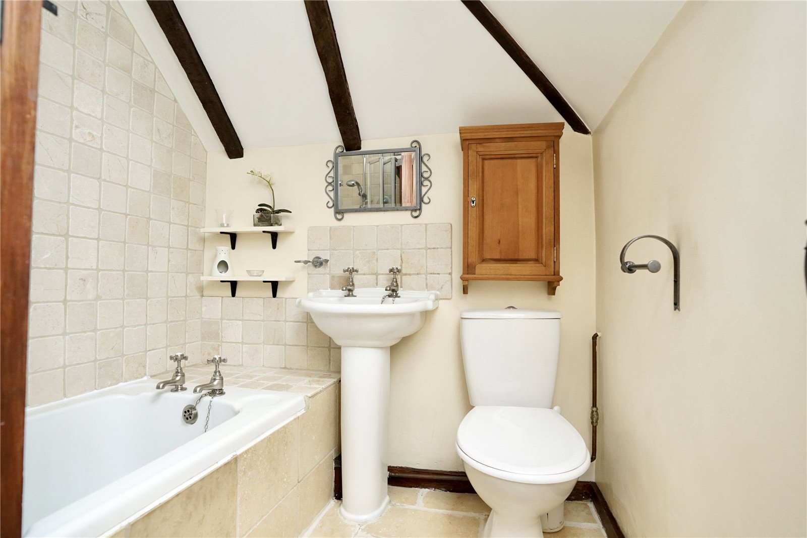 5 bed house for sale in Colmworth Road, Little Staughton  - Property Image 15