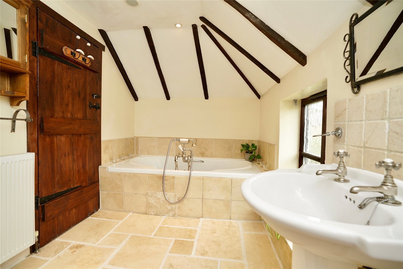 5 bed house for sale in Colmworth Road, Little Staughton  - Property Image 10