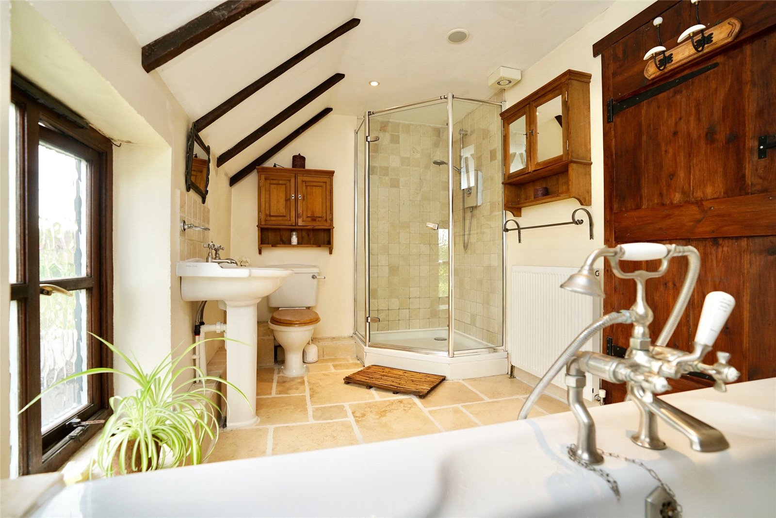 5 bed house for sale in Colmworth Road, Little Staughton  - Property Image 11
