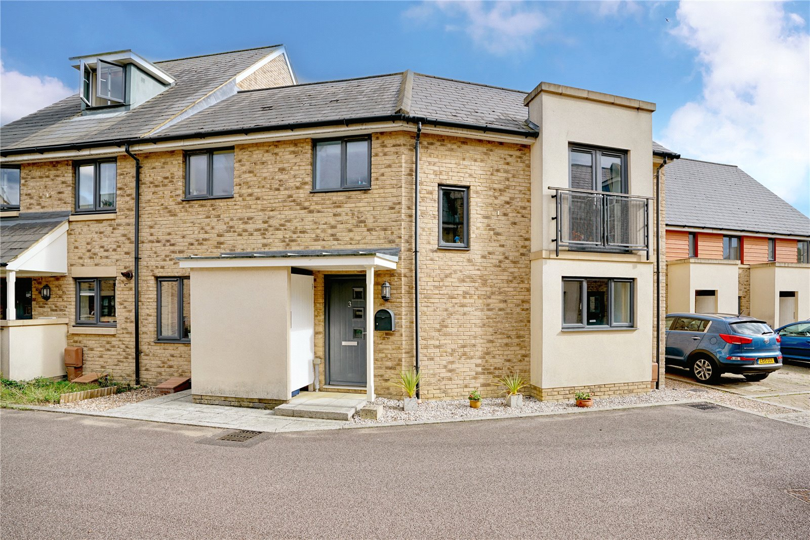 3 bed house for sale in St. Neots, PE19 6AT - Property Image 1