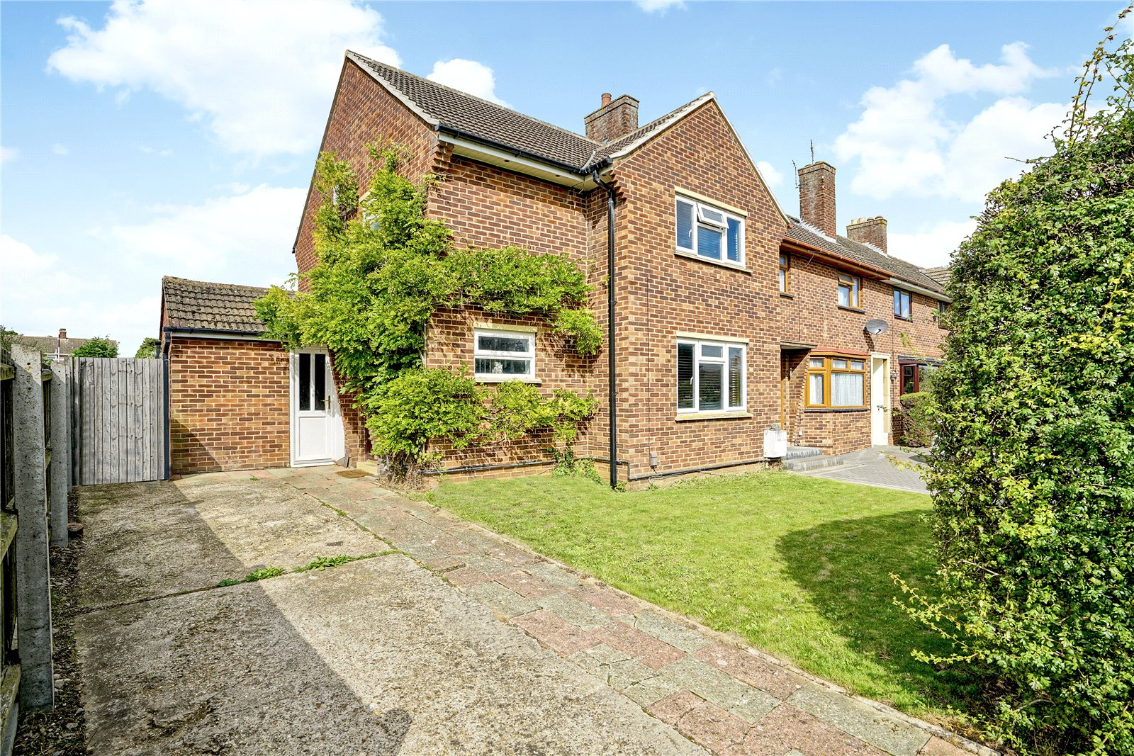 3 bed house for sale in Eaton Socon, PE19 8BY  - Property Image 1