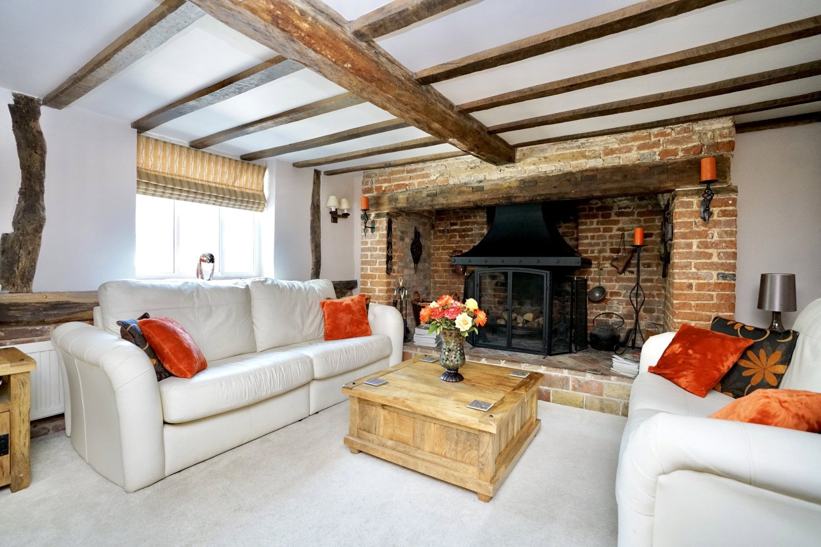 4 bed house for sale in High Street, Offord Cluny 2