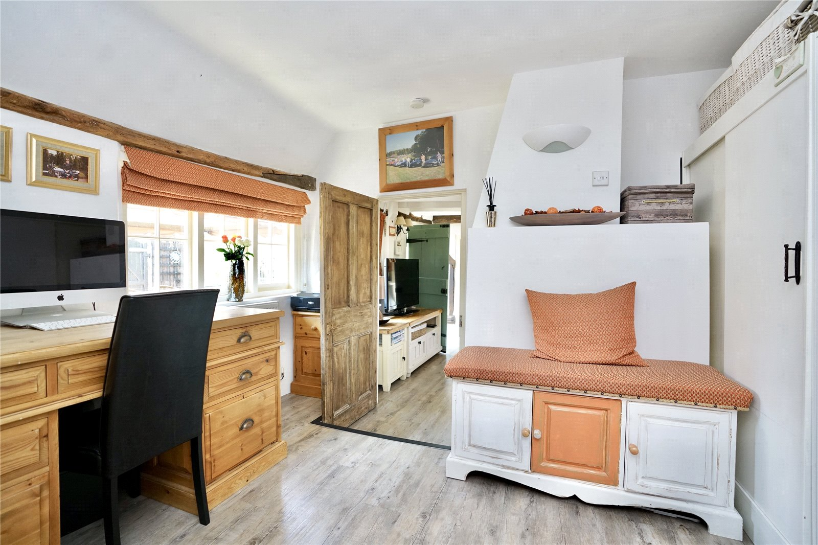 4 bed house for sale in High Street, Offord Cluny 11