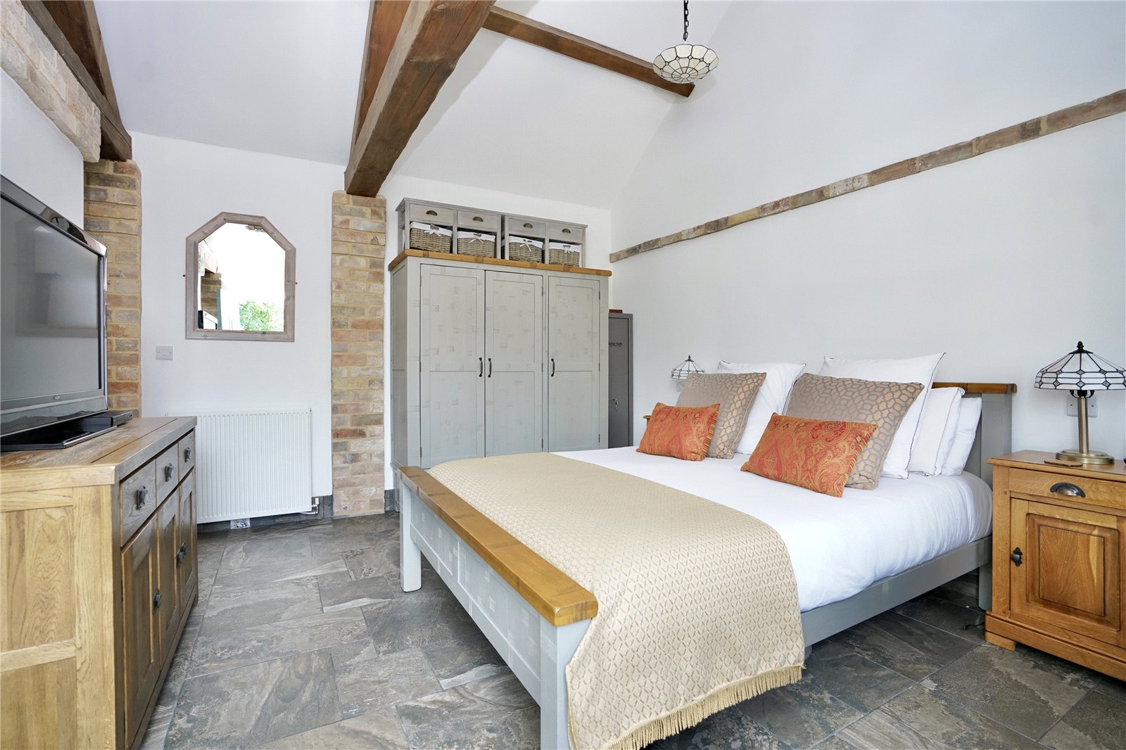 4 bed house for sale in High Street, Offord Cluny 16
