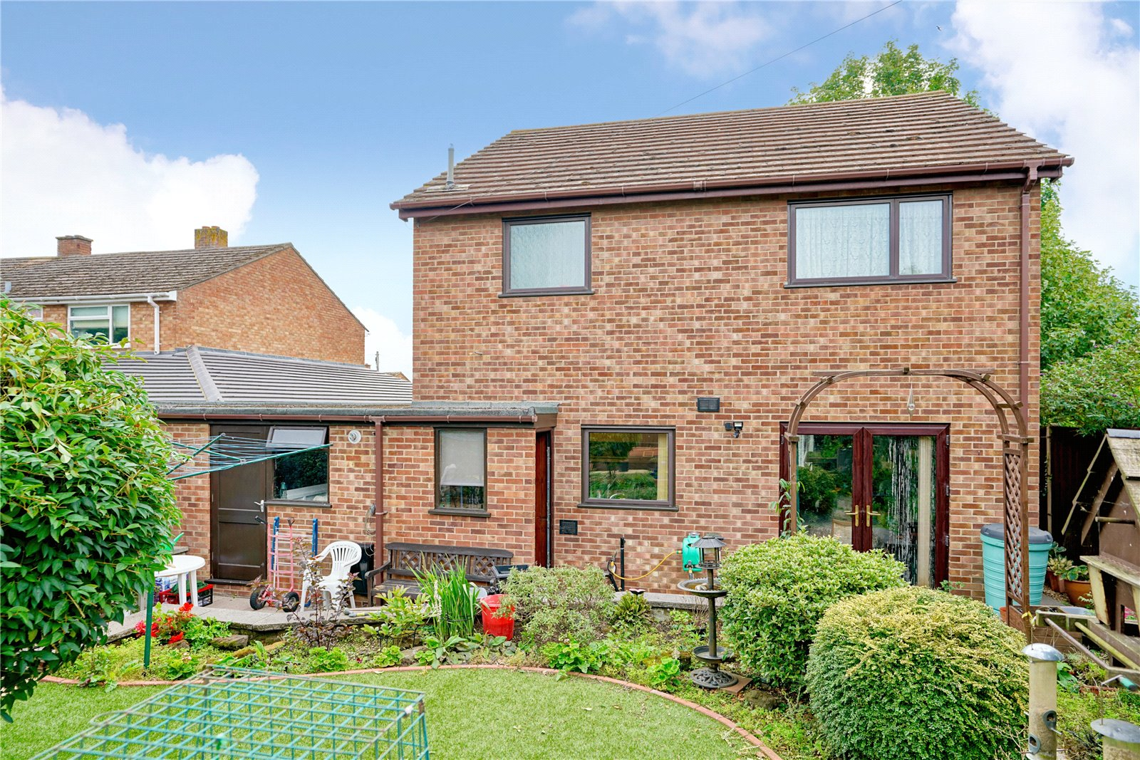 3 bed house for sale in Laxton Close, Eaton Ford - Property Image 1
