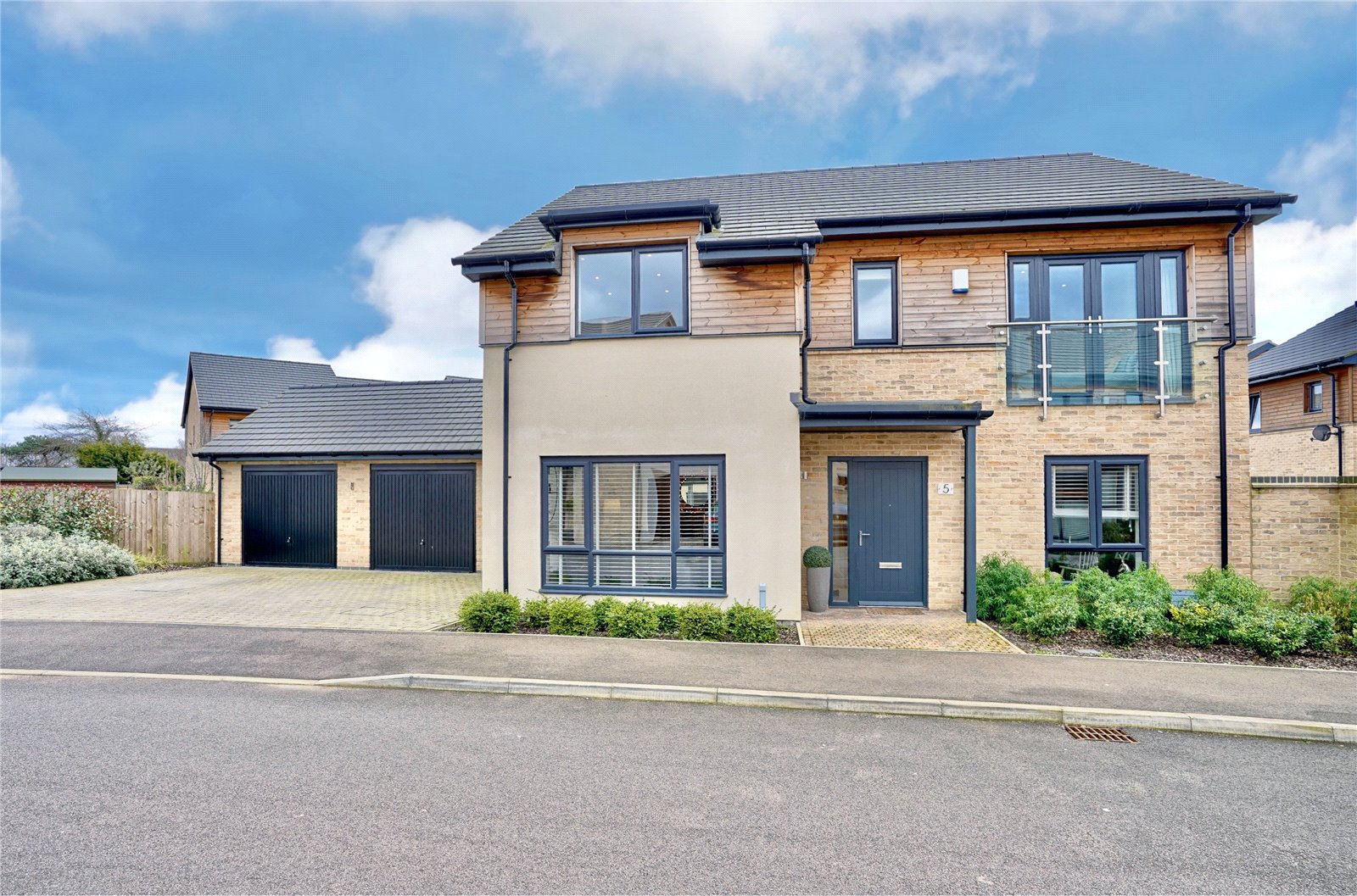 4 bed house for sale in Eaton Ford, PE19 7DE - Property Image 1