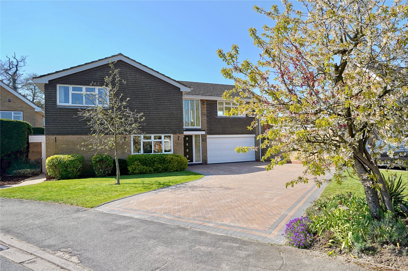 5 bed house for sale in Rowley Road, St. Neots  - Property Image 1