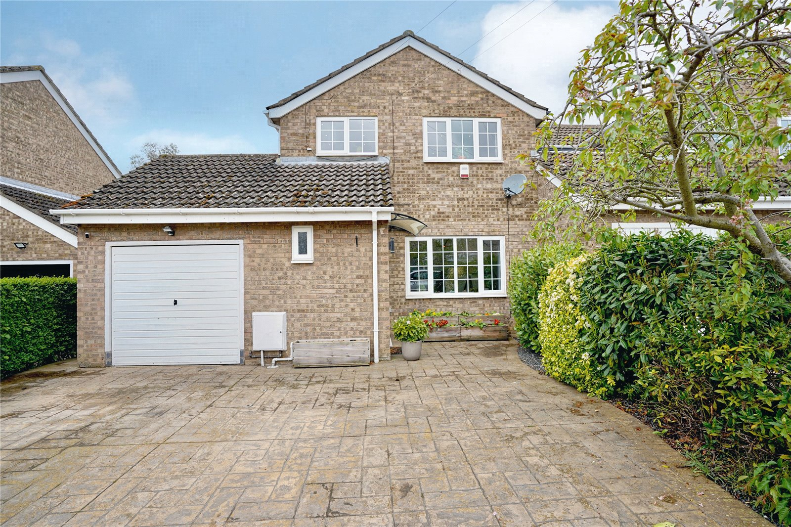 4 bed house for sale in Staughton Place, Eaton Socon, PE19